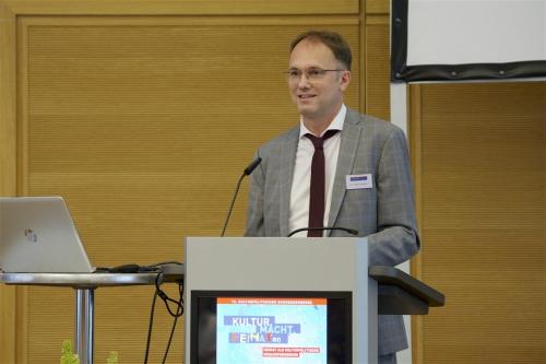 Tobias J. Knoblich